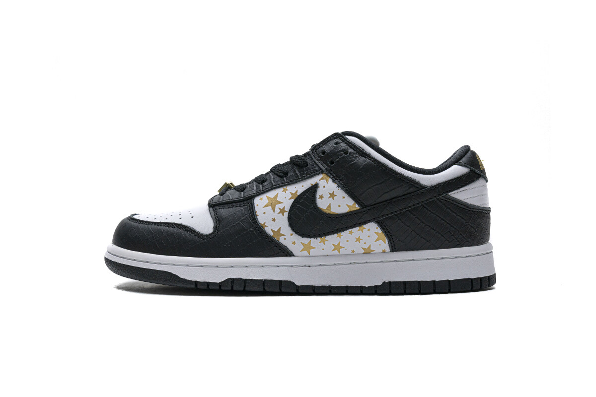 Nike SB Dunk Low Supreme Black