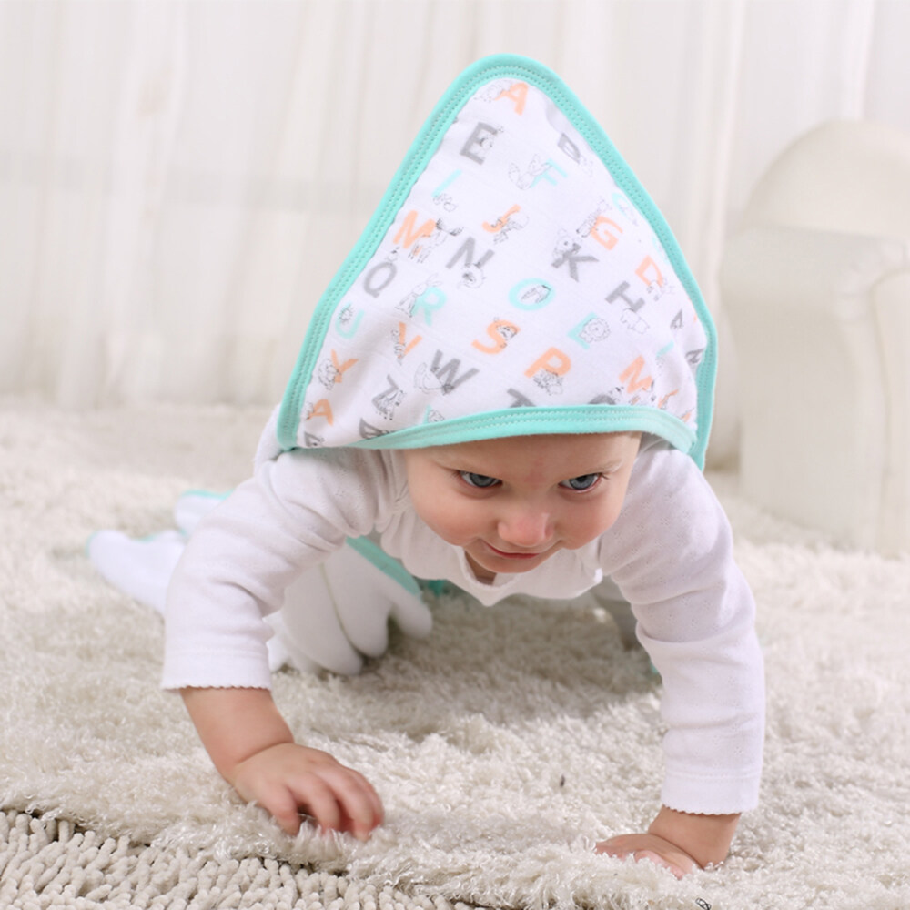 baby hooded towel and washcloth set application