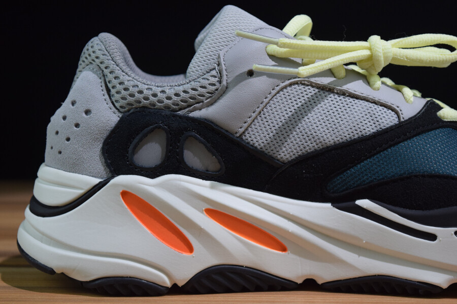 new arrival 046c4 72f2b adidas yeezy 700 from G5