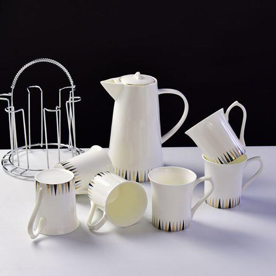 Good gifts for tea drinkers - European bone china water bottle kettle set ceramic gift box