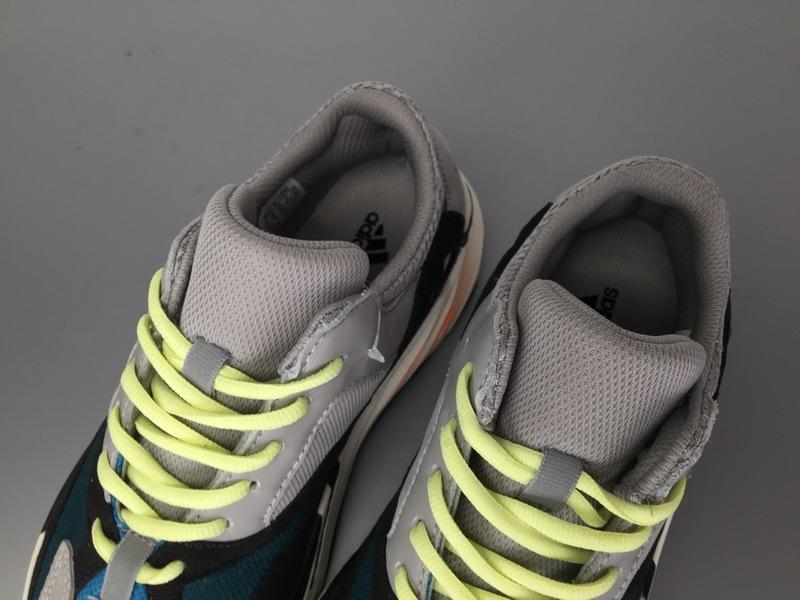 BootsMasterLin Yeezy 700 Wave Runner, B75571