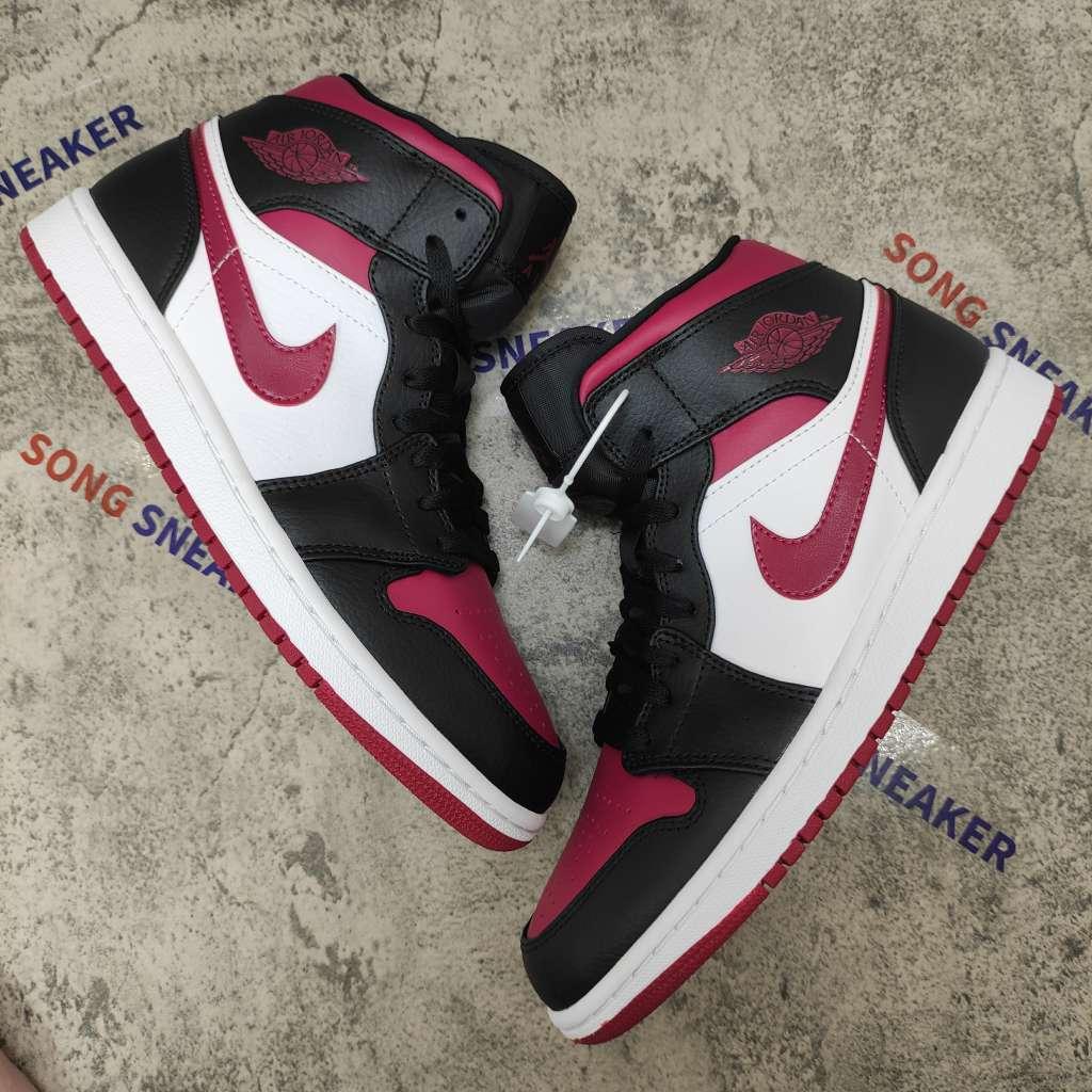 Air Jordan 1 Mid Bred Toe