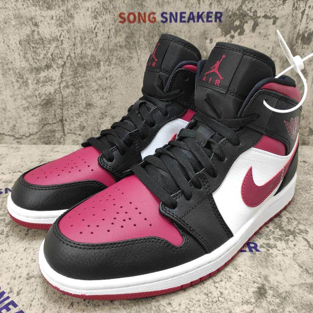 Air Jordan 1 Mid Bred Toe