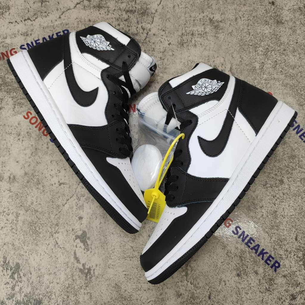 Air Jordan 1 Retro Black White (2014) 555088-010