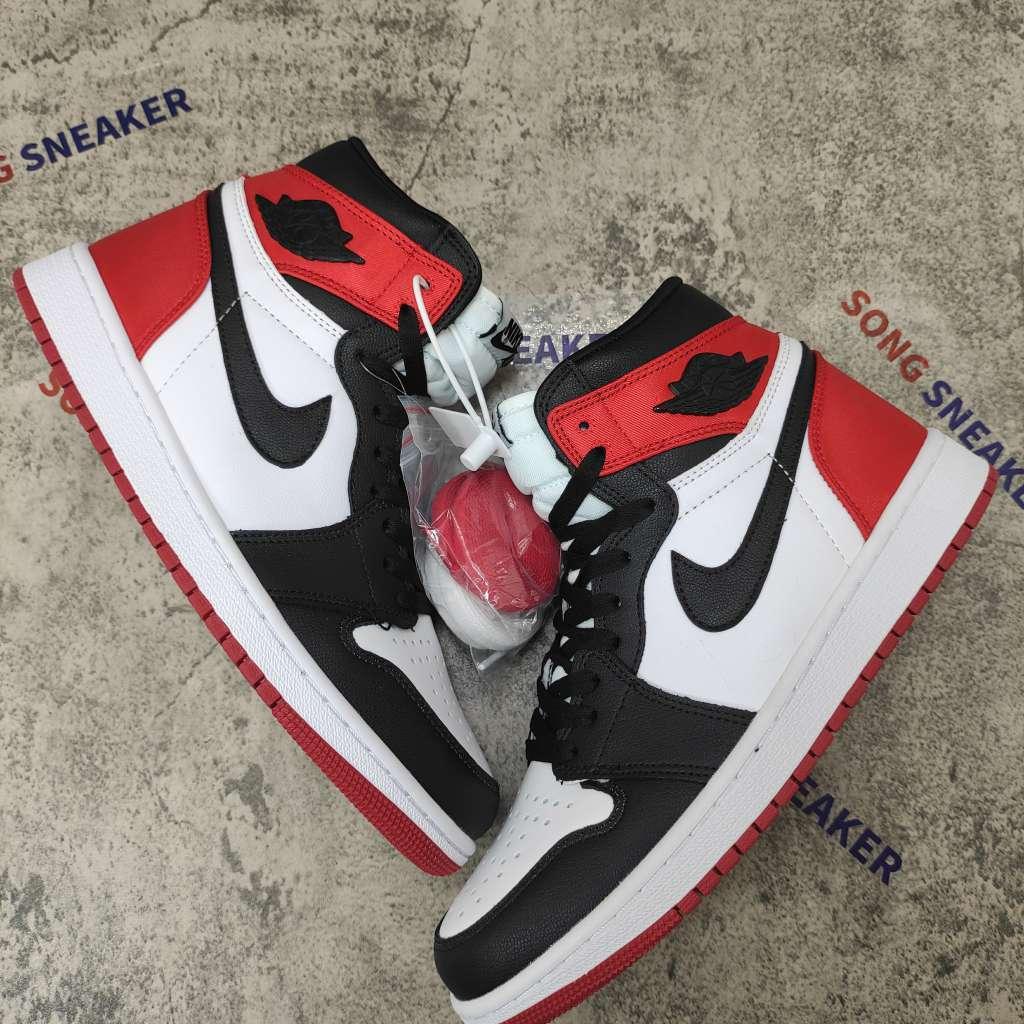Air Jordan 1 Retro High Satin Black Toe (W)