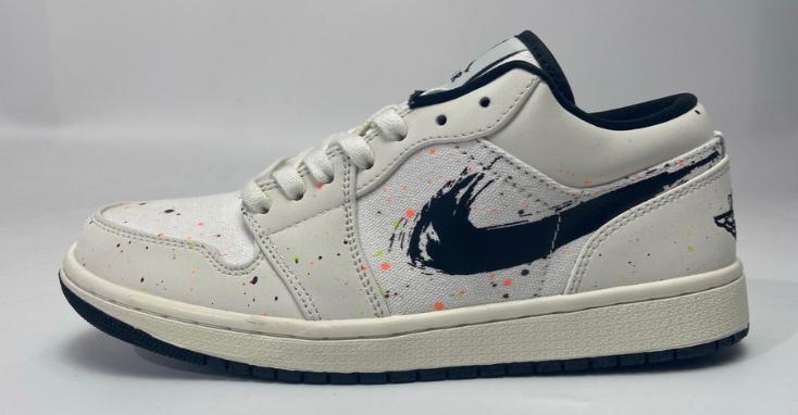 Air Jordan 1 Low SE Paint Splatter