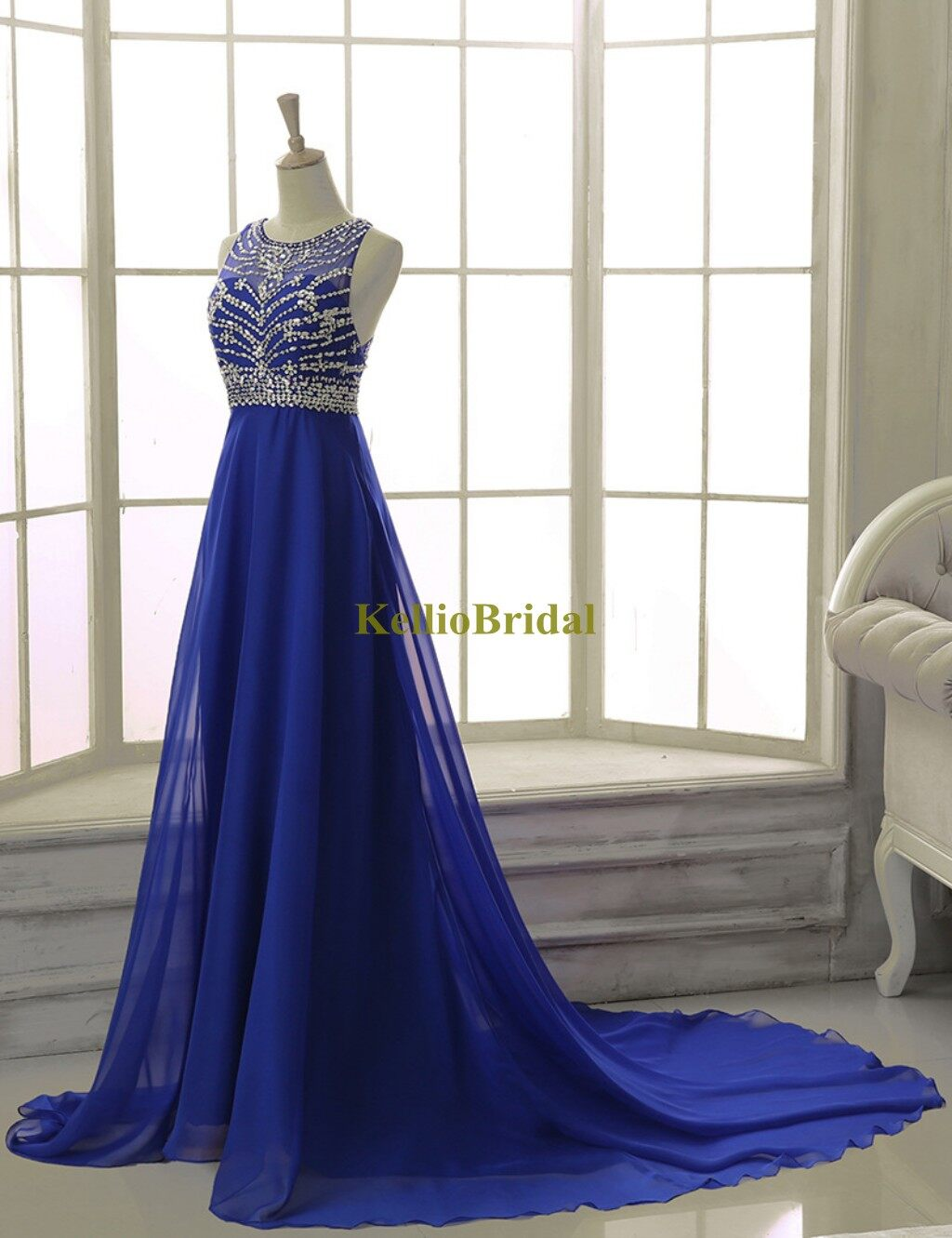 royal blue dress - 800×960
