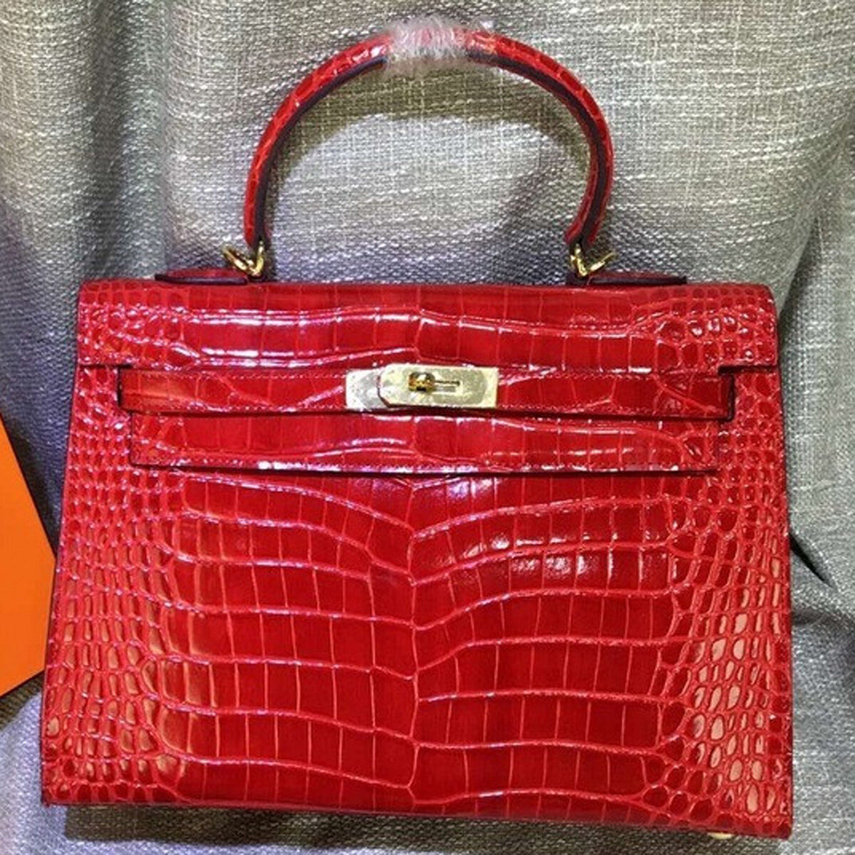d0a734aa59aa Hermes Kelly Handbag Cross Body Bag Crocodile Leather Golden Hardware  28 32cm Red