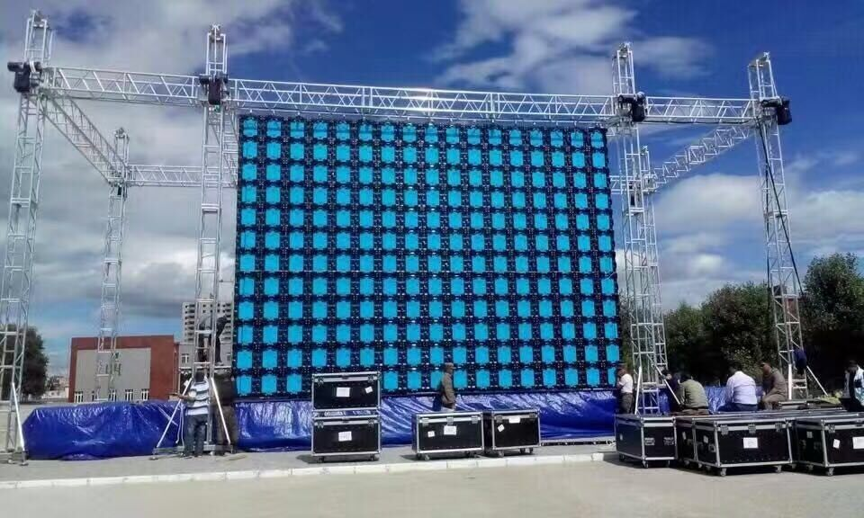 P10 outdoor rental led display 640 x 640mm
