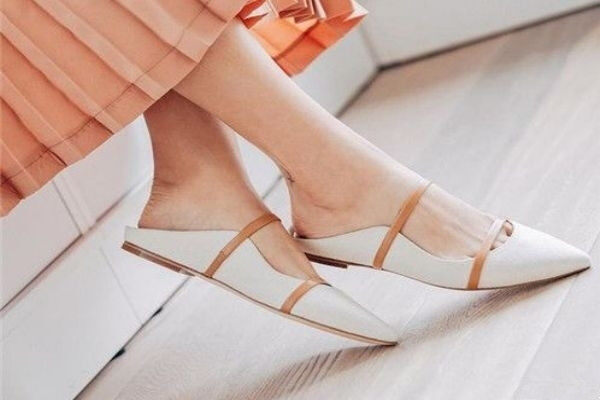 How to wear Pointed Shoes Without Pain