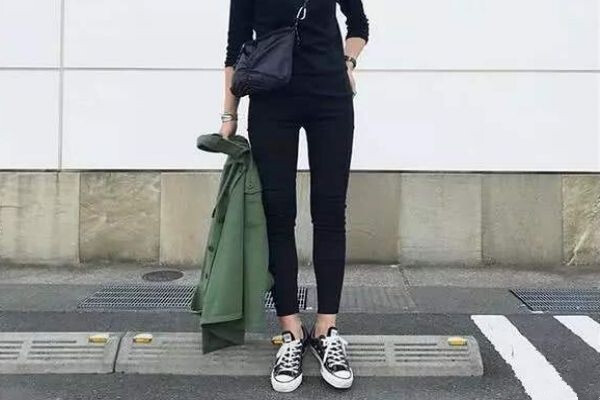 What Shoes do girls wear with Black